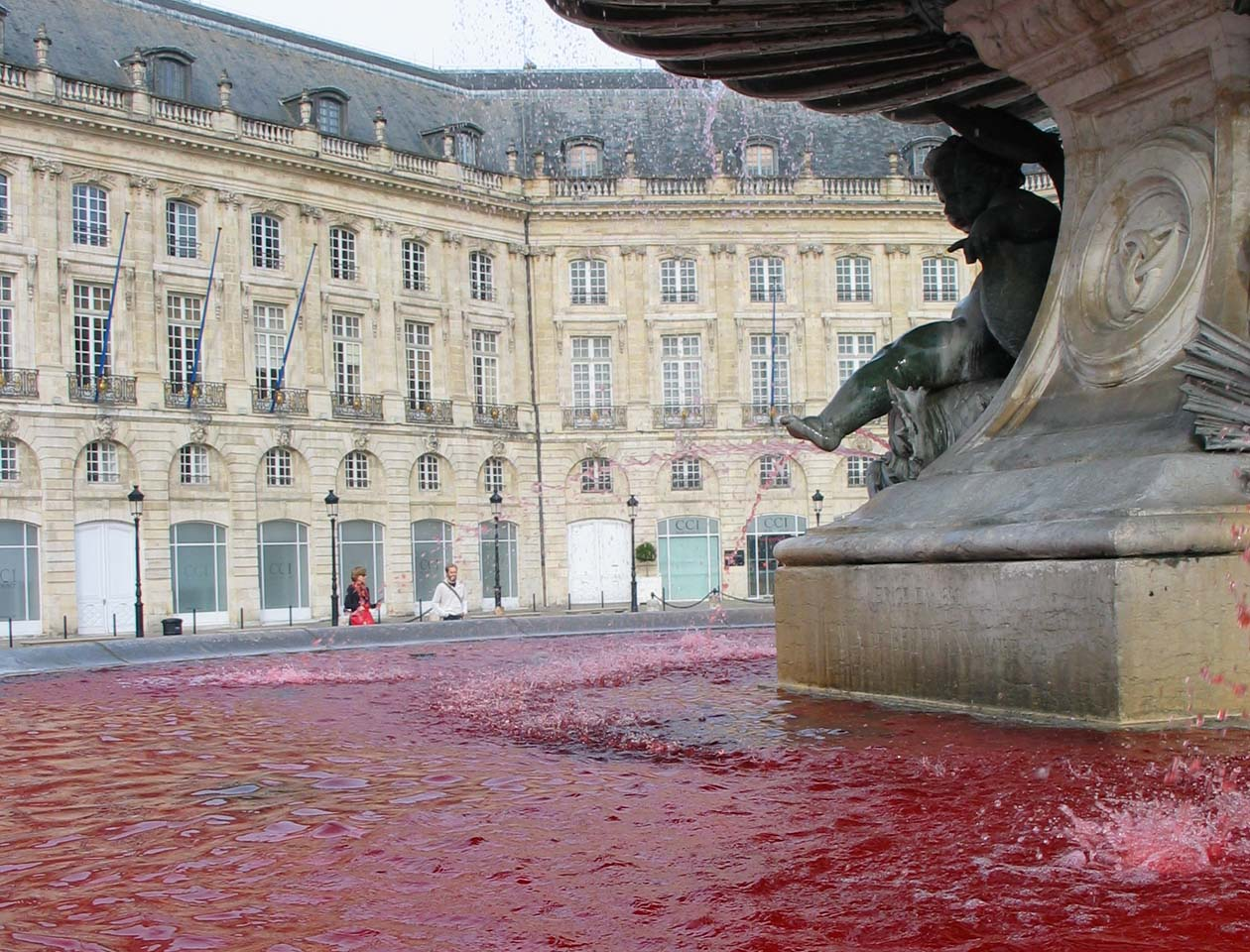 2012-10-08-Fontaine-Bourse-Pink-October